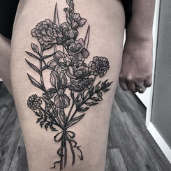 Fun floral thigh piece from last week.jp
