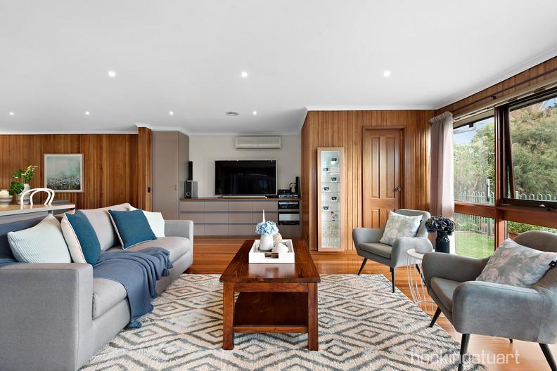 11-Living Room.jpg