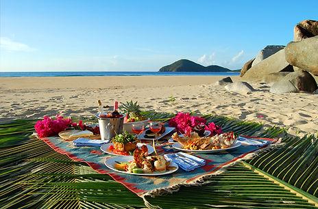 Picnic-at-the-beach-Daniel-Mejia.jpg