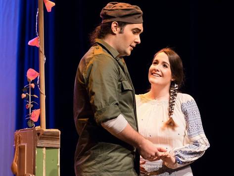 Carole-Anne Roussel (Micaela) et Gabriel Provencher (Don José), Carmen, Conservatoire de musique de Québec, 2018. Source: Louise Leblanc