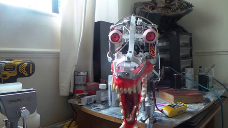Animatronic baby werwolf mechanism