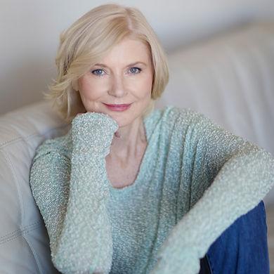 Melissa Joan Hart - Current headshot_Mar