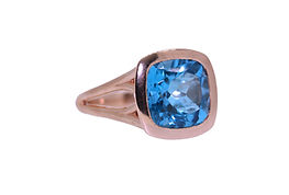 SEA BLUE TOPAZ AND ROSE GOLD COCTAIL RING