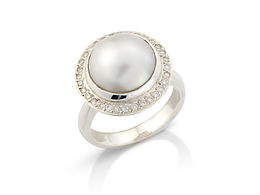 MAYBE PEARL AND DIAMOND COCTAIL RING