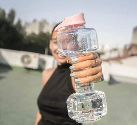 Botella plastica 1,25kg sirve también de mancuerna Cliker