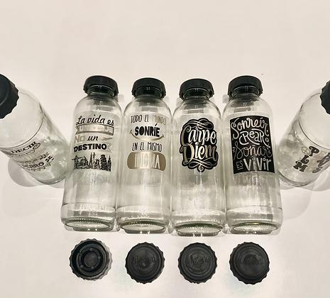 Botella de vidrio 1/2 litro + tapon descripcion + stickers frases doradas
