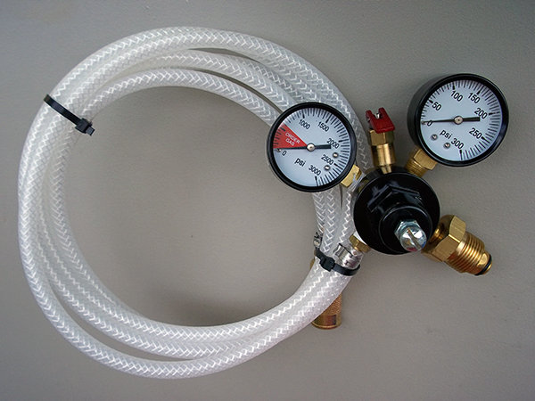 CO2 Regulator with 10' hose