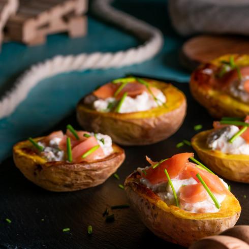 Fotografija hrane - Pečen krompir z lososom