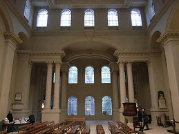 14097-church-st-george-bloomsbury-london