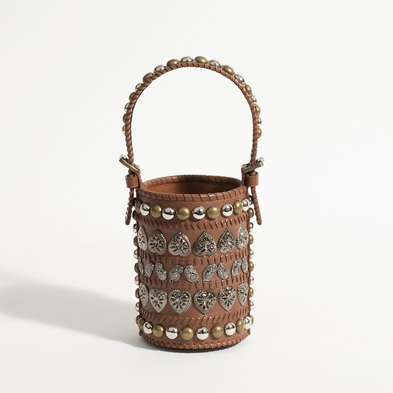 The antique bucket bag