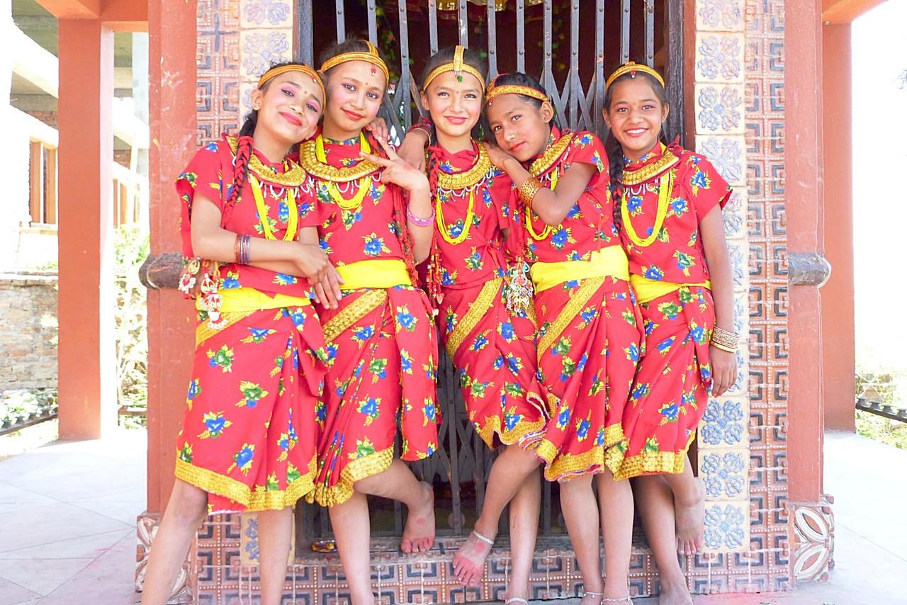 各民族ごとに、祭りの時に着る民族衣装は異なる