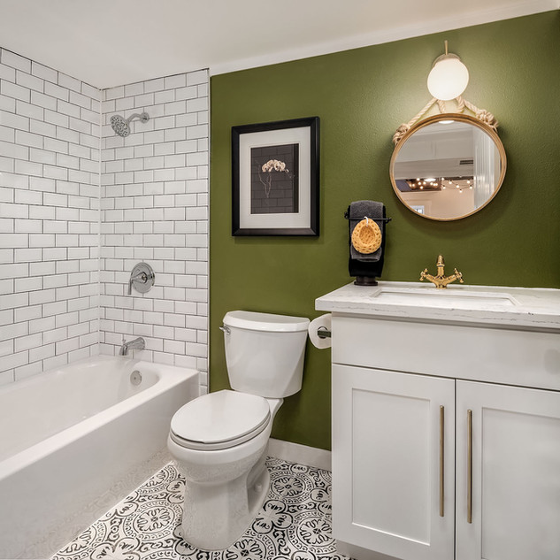 Unique Bathroom Renovation Idea