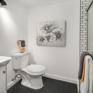 Classic Small Bathroom Design