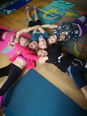 4 weeks Kids Yoga Course. Exploring & Expressing emotions (7-11 years old)