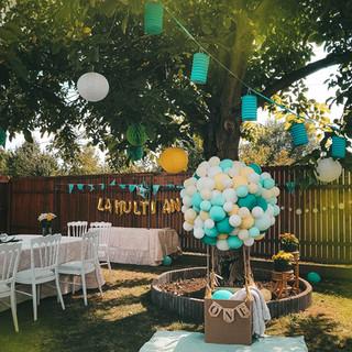 Garden party deco
