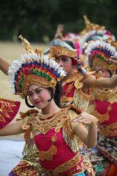 Janger dance - Bali - Karin Sukarya