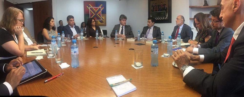 En la foto, Ney Barrionuevo, Secretario Técnico del GDA interviene en la sede de la CAN.