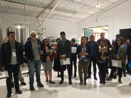 Cerveza Caran y la Academia acompañan al Bus del Progreso