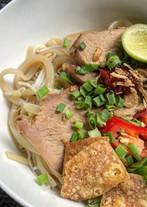 vietnamese-food-cao-lau.jpg