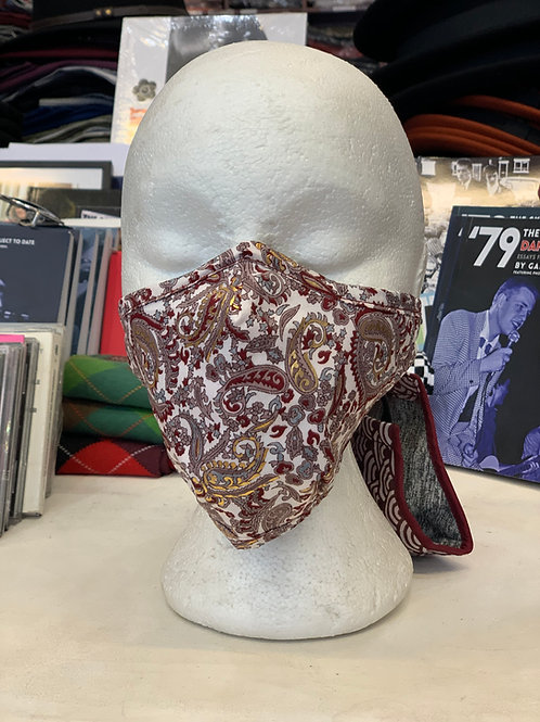 Face-mask: Red and white paisley