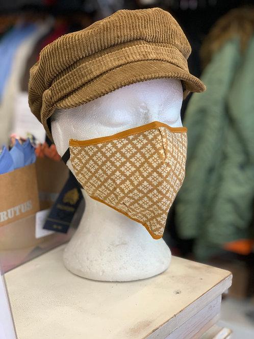 Face mask: Sand and ecru diamonds