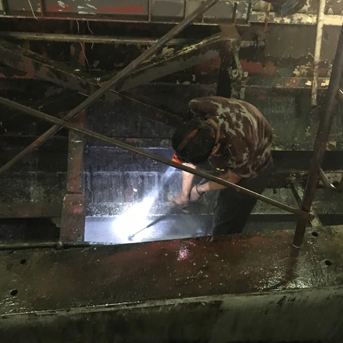 โครงการซ่อมทำสีเรือภายในห้อง คจญ. และห้อง คปอ. ร.ล.รัตนโกสินทร์ โดยใช้ผลิตภัณฑ์น้ำยาสูตรชีวภาพ ECOMA