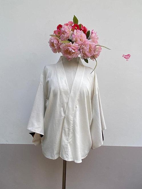 Kimono Kyoto curto linho Off White Olha que tudo vê!