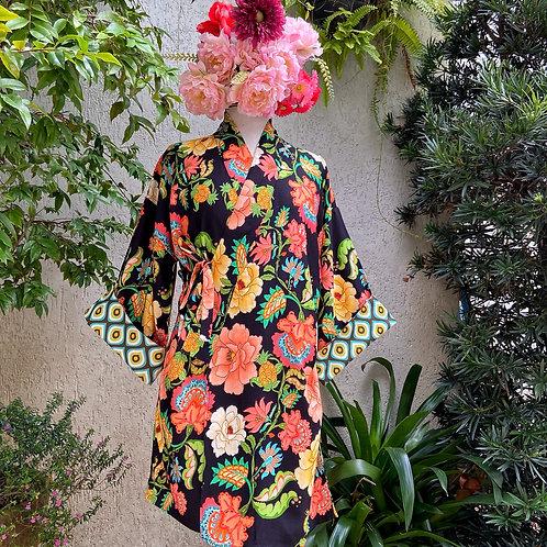 Kimono Tokyo médio Floral G Fundo Preto