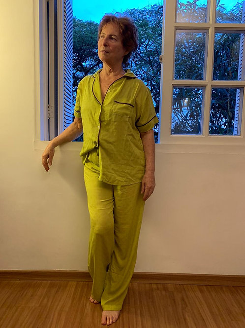Pijama Zazá Verde Abacate viscoseCamisa + Calça + Short