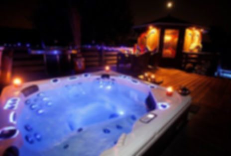 bahamaspas-hot-tub-led-night.jpg