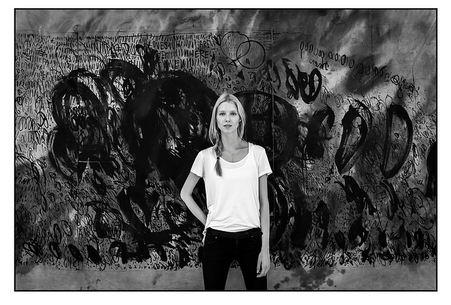 Ewa Budka in front of her piece, photo Konrad Ćwik