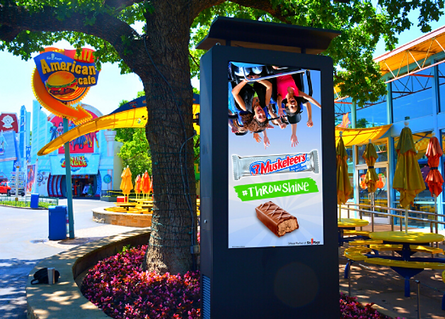 620X375 OUTDOOR KIOSKS PAGE.png