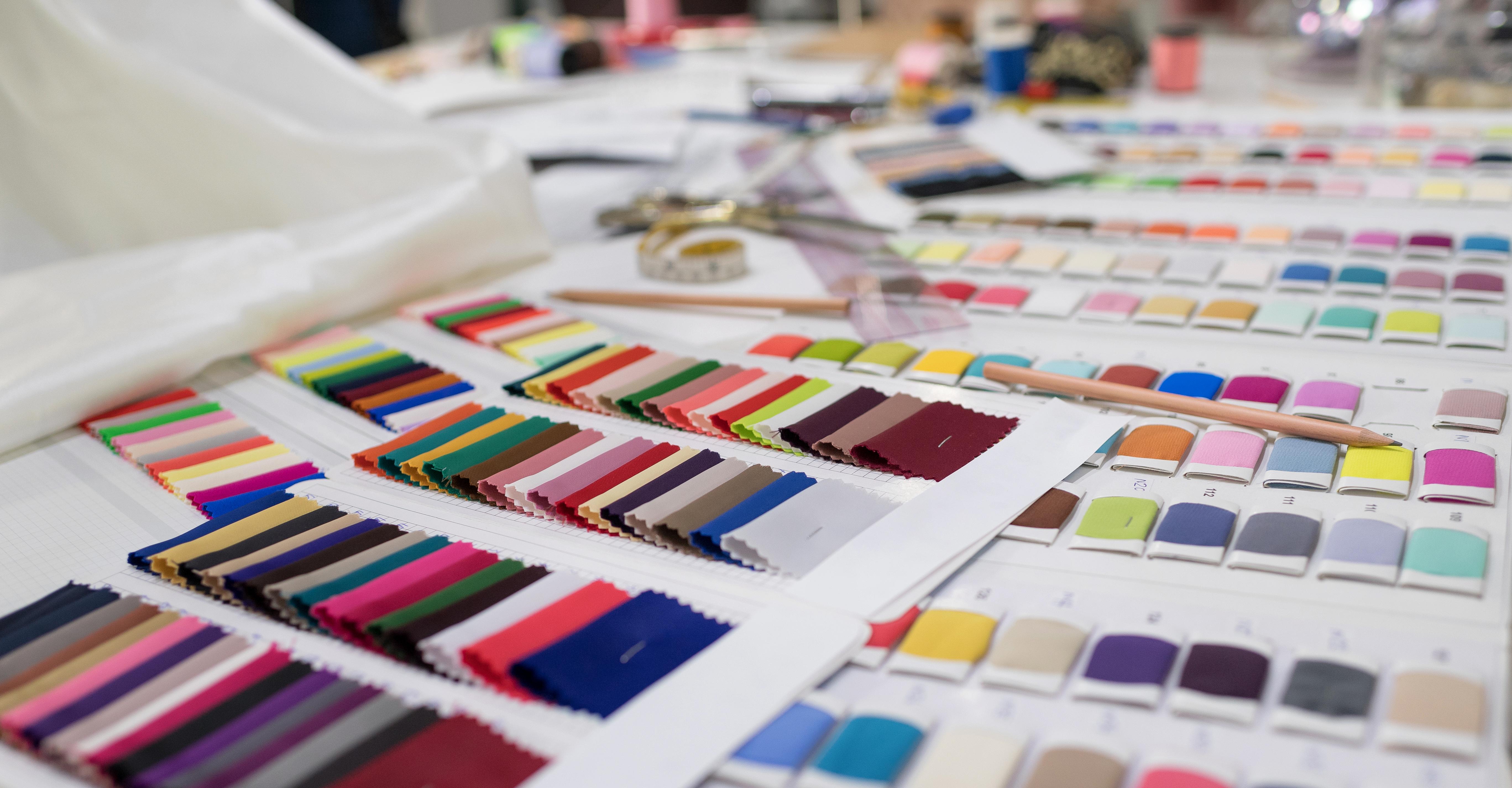 Pantone dyes fabrics