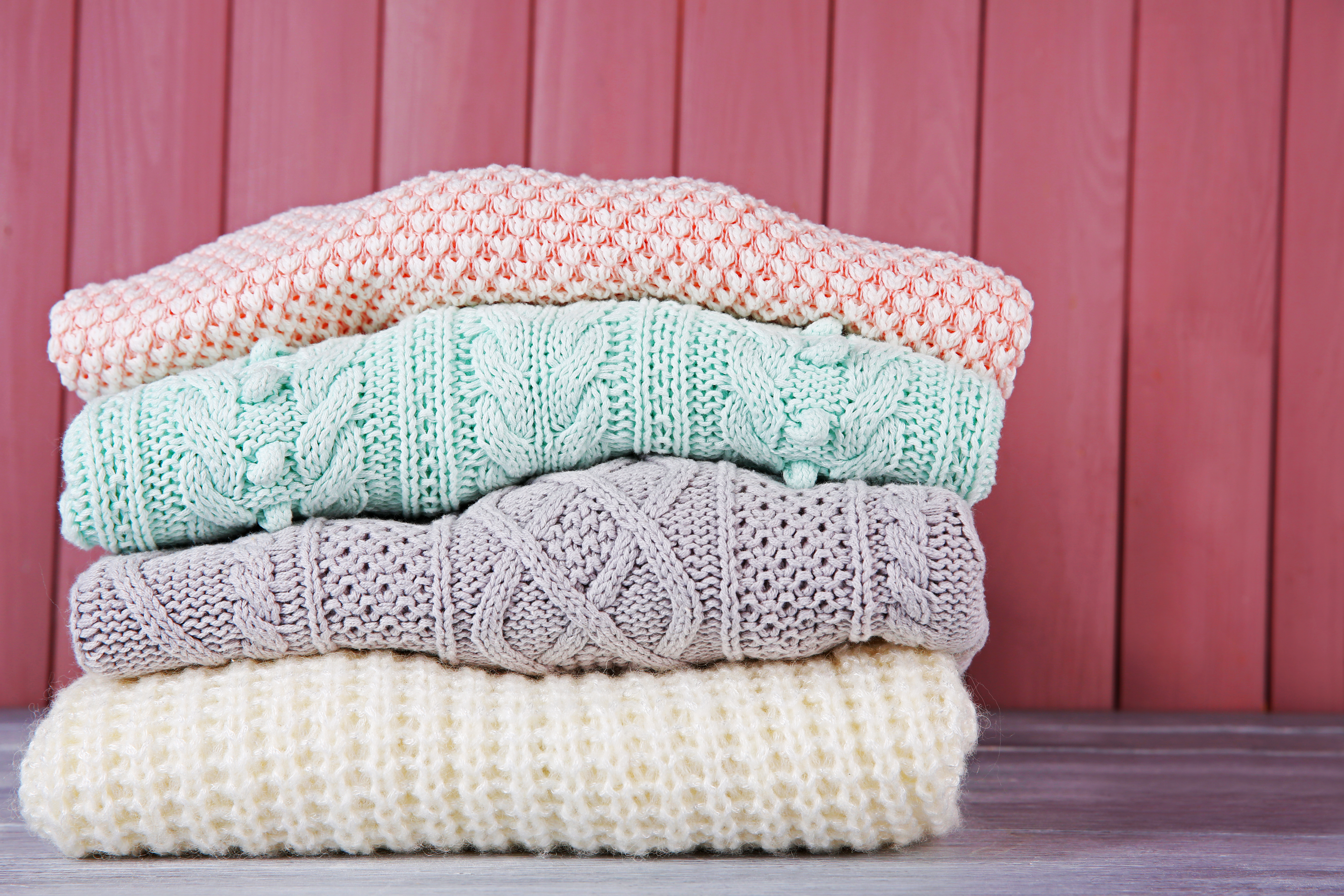 Knitted sweaters and jerseys (3)