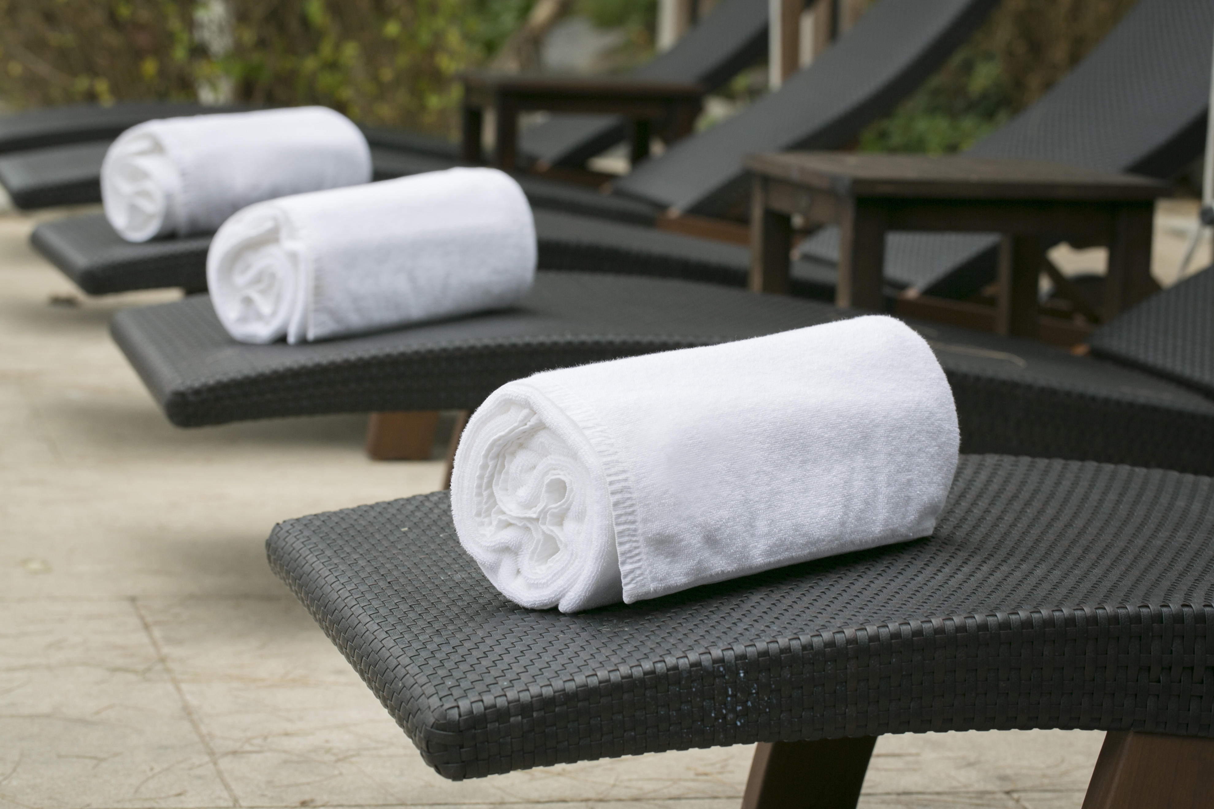 White hotel towels.