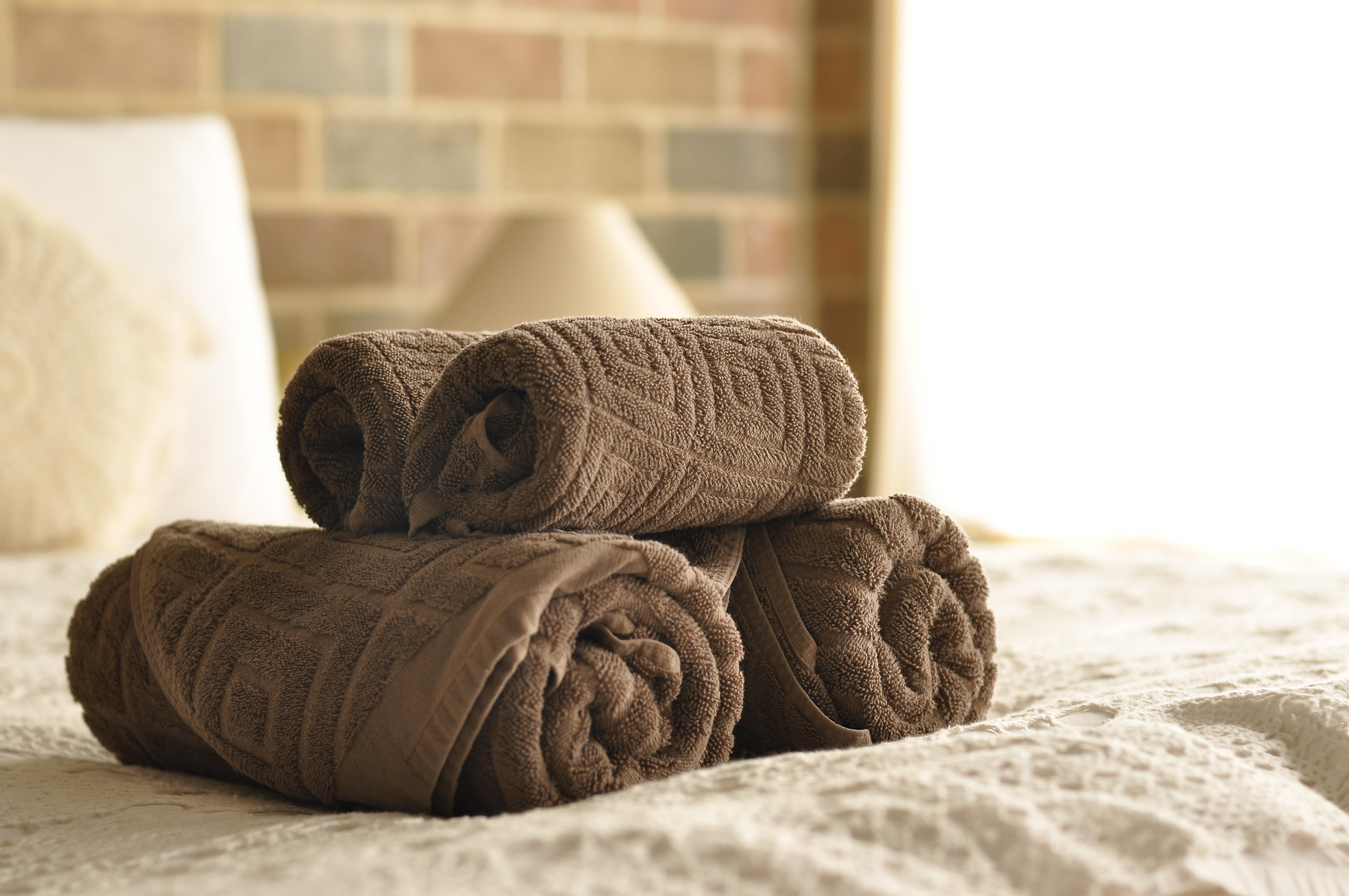 Microcotton relief woven towel.