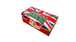 Creative garment packaging box with textile (1)
