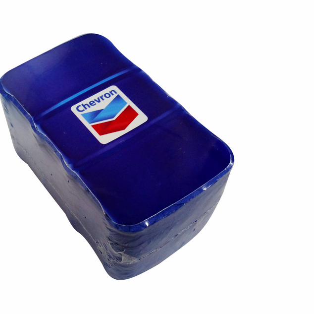 Compressed towel 30 x 50 cm in oil drum