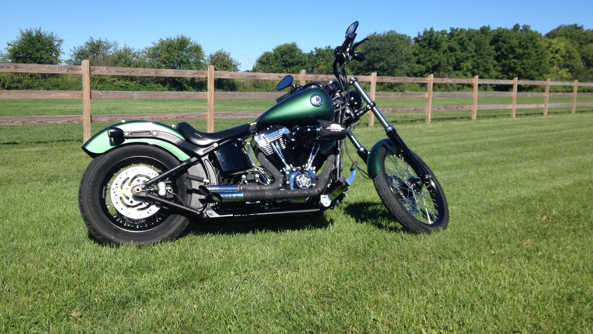 Harley Custom Blackline 01.JPG