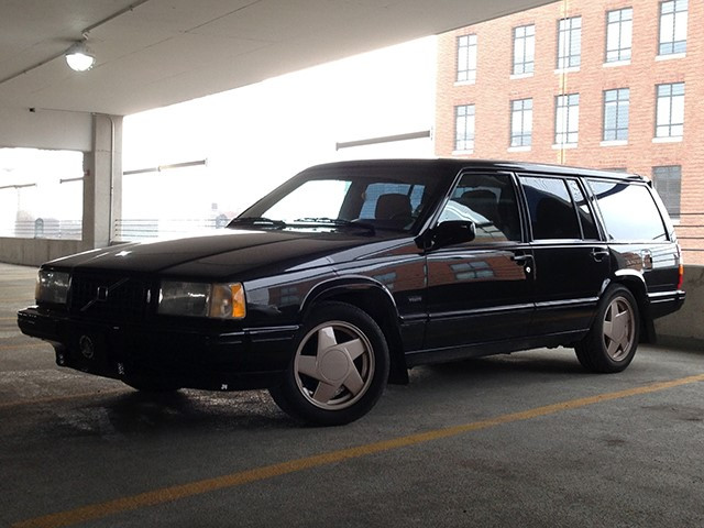 90 Volvo 740 Turbo Wagon 02.jpg