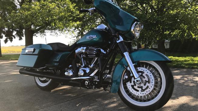 Harley Custom Bagger 02.JPG