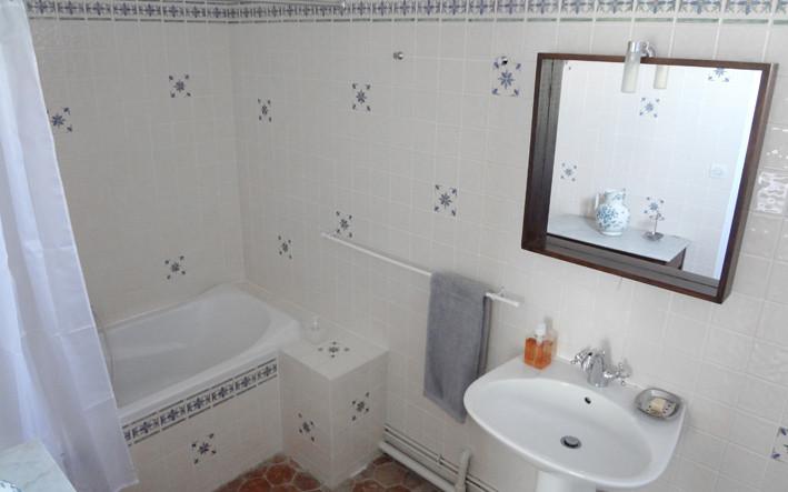 La Gobine bathroom, Le Petit Manoir de la Vernelle