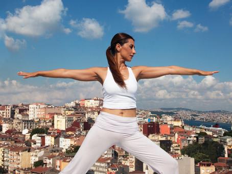 Günlük hayatta daha fazla rahatlama için 9 yoga egzersizi