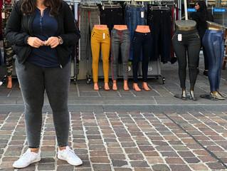 Vor dem Hosenladen