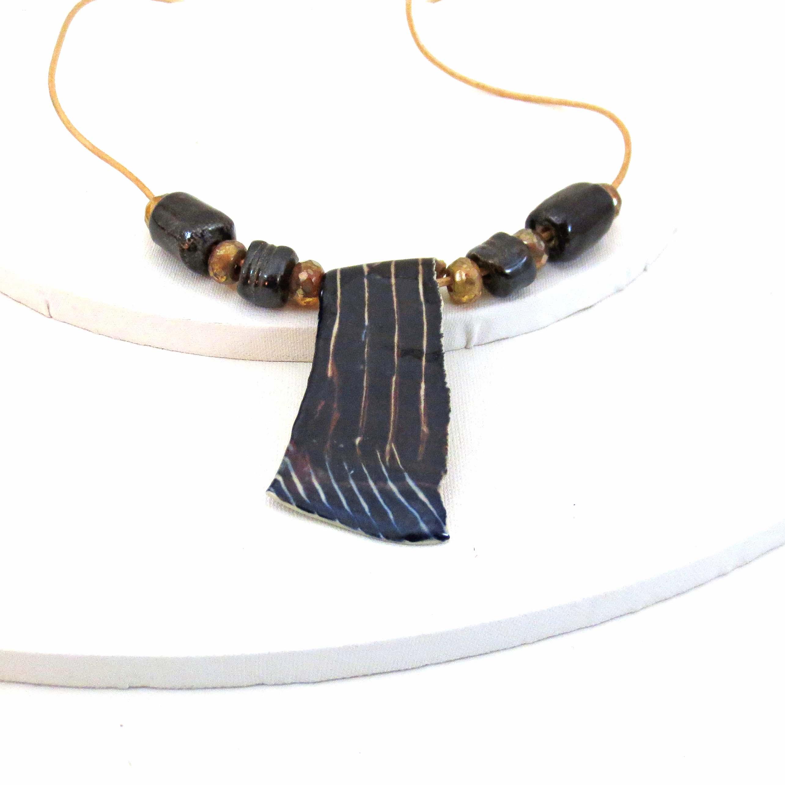 Black & white ceramic pendant