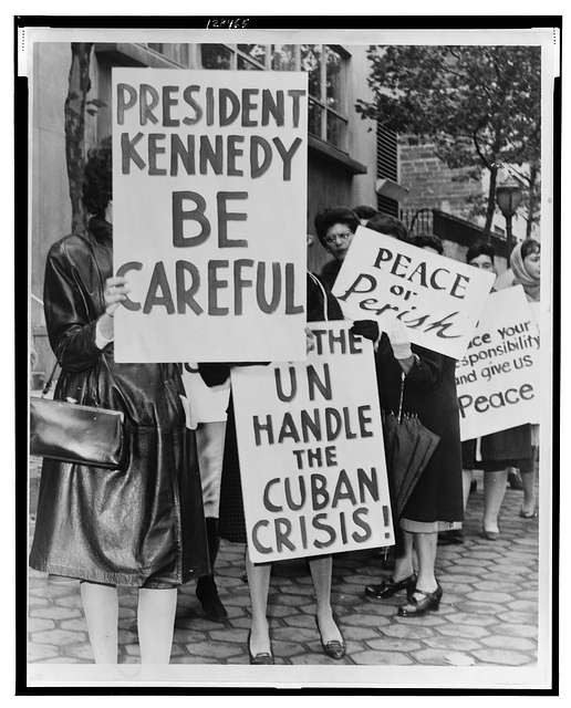 Cuban missile crisis. 800 women strikers for peace on 47 St near the UN Bldg