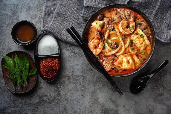 pork-boat-noodles-classic-thai-food-popu