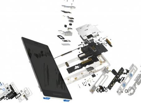 這支拆裝螢幕只需30秒的手機,有著改變整個產業的大願景—讓你把手機「用好用滿」