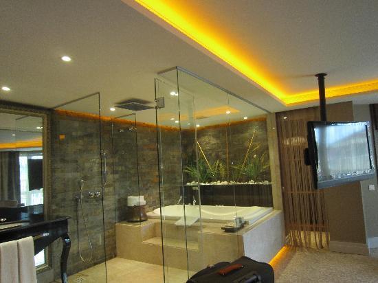 hotel zurich Banheiro