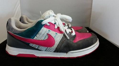 Nike SB GS
